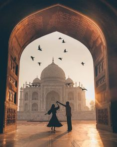Isn't the Taj Mahal beautiful! Travel couple goals created by ↡ M… – Most Beautiful Places in the World Mekka Islam, Couple Photography, Travel Photography, World Photography, Flying Photography, Amazing Photography, Street Photography, Beautiful World, Beautiful Places