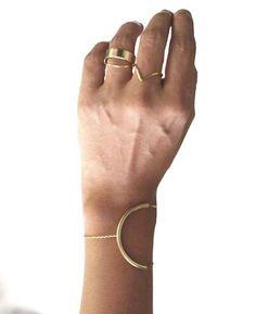 http://www.tendances-de-mode.com/breves/141226-frange-bijoux-tee-shirt