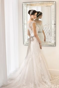 Sweet wedding gown with grey bow