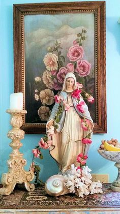Home Altar Ideas Madonna, Blessed Mother Mary, Blessed Virgin Mary, Religious Icons, Religious Art, Home Altar Catholic, Roman Catholic, Prayer Corner, Virgin Mary Statue