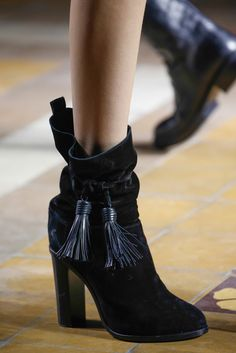 Lanvin Fall 2015 Ready-to-Wear - Details - Gallery - Style.com