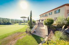 Wedding golf club St Tropez http://www.luxuria-wedding.com/fr/places/2