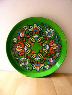 Vintage swinging 60's flower power serving tray by HuntersKitchen, €11.00