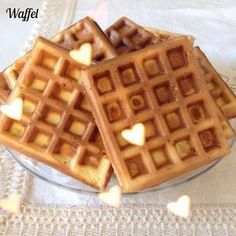Waffel Bimby, la ricetta originale delle mitiche cialde morbide del Belgio. Ottime anche con una semplice spolverata di zucchero a velo! Ingredienti: ...