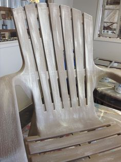 """Faux Driftwood Lawn Chair   How to """"Dry Brush"""" with Chalk Paint™ by Annie Sloan"""