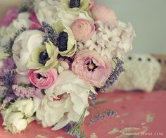 Such a romantic and lush bouquet!