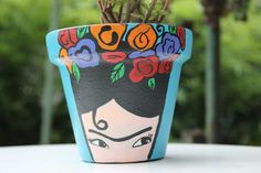 Macetas De Barro Pintadas A Mano Painted Plant Pots, Painted Flower Pots, Garden Deco, Garden Pots, Clay Pot Crafts, Diy Crafts, Plantas Indoor, Flower Pot Art, Craft Markets