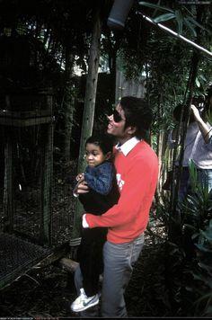 Michael Jackson and Emmanuel Lewis | 1984