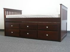 Captains Bed with Twin Trundle & 3 Drawers