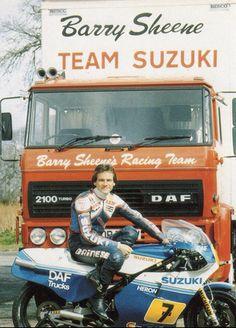 Barry Sheene and team Motorcycle Racers, Suzuki Motorcycle, Racing Motorcycles, Vintage Motorcycles, Racing Team, Road Racing, Grand Prix, Motorcycle Manufacturers, Bike Brands
