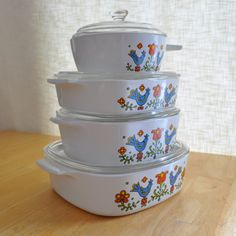corning ware country festival set with lids by thecreekhouse, on Etsy.if we had purchased these brand new, they wouldn't have cost as much as they are asking for them.fifty-one dollars! Corningware Vintage, Vintage Kitchenware, Vintage Dishes, Vintage Glassware, Vintage Pyrex, Antique Dishes, Retro Kitchen Accessories, Pyrex Bowls, Vintage Birds