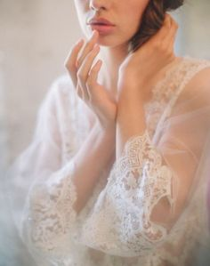 Oh VOGUESEASON.com actually have something similar! This romantic lace sleeves from USD$139.99 Free Shipping RIGHT NOW!    http://www.vogueseason.com/goods_id-3402.shtml?=glist