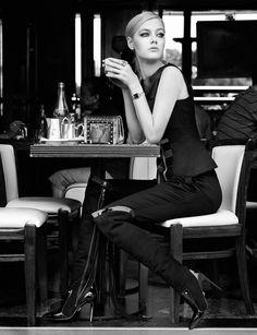 Hannah Grace Brzezinski by Vincent Alvarez for Paris Capitale September 2014 boss Black White Photos, Black And White Photography, Café Sexy, Pause Café, Parisienne Chic, Cafe Art, Black And White Aesthetic, Coffee Girl, Coffee Shop