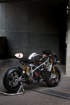 So here are the TOP 5 Ducati 999 cafe racer projects that we love. This Ducati has ton of potential as base for custom projects. Cafe Racers, Ducati Cafe Racer, Cafe Racer Motorcycle, Custom Motorcycles, Custom Bikes, Bobbers, Ducati Motorbike, Ducati 749, Sidecar