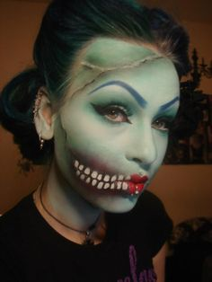 """Another fun Halloween Makeup. """"Pin Up Zombie/Dead Girl"""" by Anastasija of rottenzombiefairy. She used Sugarpill Lumi to highlight her skin! Real make up Costume Halloween, Cool Halloween Makeup, Halloween Looks, Scary Halloween, Halloween Painting, Halloween Makeuo, Spirit Halloween, Halloween Halloween, Zombie Pin Up"""