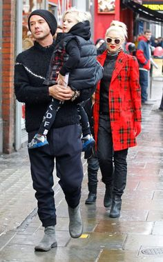 Zuma Rossdale is spotting Nununu leggings. #Kids #Clothes #Celebrities  www.devlishangelz.ca