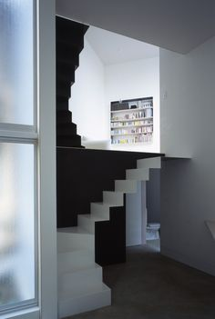 W Window House / Alphaville Architects Treppen Stairs Escaleras Interior Stairs, Interior And Exterior, Architecture Design, Installation Architecture, Building Architecture, Stair Steps, House Stairs, Japanese House, Deco Design