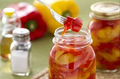 peperoni in agrodolce (sweet and sour peppers) - add it in a sandwich with tuna and mayonnaise, tasty and refreshing Chutney, Sweet And Sour Vegetables, Good Food, Yummy Food, World Recipes, Preserving Food, Antipasto, Finger Foods, Italian Recipes