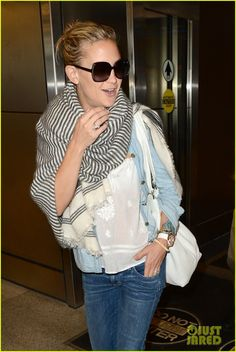 Kate Hudson in Miami, 8/3/12, wearing a print scarf.