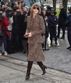 Anna Wintour - Chanel show at Paris Haute Couture Fashion Week. (January 27, 2015)