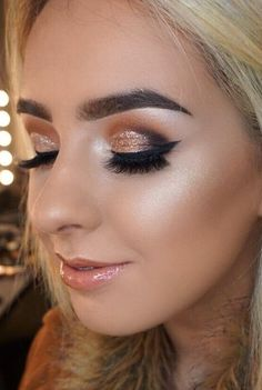 If you're planning your big day and just looking for a little wedding inspiration, meet the best of the best and the nation's top make-up wizards! Make Up Tutorials, Bronze Makeup, Gold Makeup, Bridal Hair And Makeup, Hair Makeup, Tan Skin Makeup, Make Up Gold, Makeup Academy, Wedding Makeup Artist
