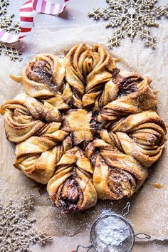 If there's one thing December needs, it's this Snowflake Pull-Apart Monkey Bread. The post Snowflake Pull-Apart Monkey Bread. appeared first on Half Baked Harvest. Slow Cooker Desserts, Breakfast Recipes, Dessert Recipes, Breakfast Ideas, Christmas Morning Breakfast, Bon Dessert, Half Baked Harvest, Monkey Bread, Christmas Baking