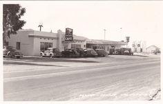 DESERT CENTER , California , 30-40s; RP: Standard Oil Gas Station