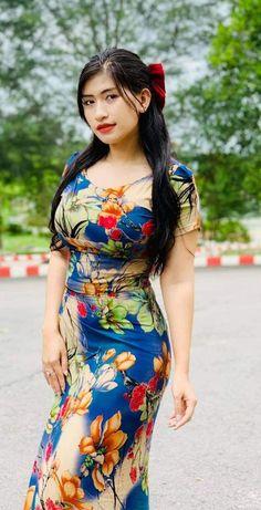 Kissing: The Best Tips, Techniques and Advice - TheBestnChic Beauty Full Girl, Beauty Women, Vrod Harley, Myanmar Women, Cute Asian Girls, Indian Beauty Saree, Beautiful Asian Women, Ao Dai, Asian Fashion