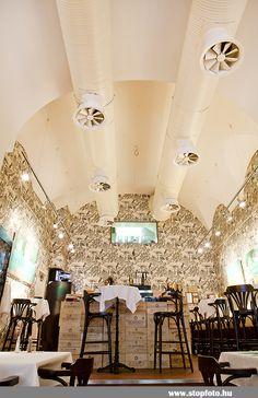 Klassz, restaurant and wine bar in Budapest