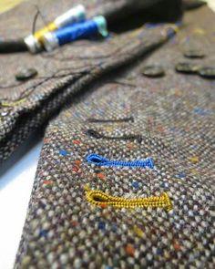 Oleg Votintsev Bespoke Tailor ??????? ??????? ???? ???????? #suitvest #suit #vest #diy Couture Embroidery, Embroidery Fashion, Harris Tweed, Bespoke Tailoring, Best Mens Fashion, Fabric Manipulation, Mode Inspiration, Sewing Techniques, Buttonholes