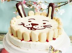 Mascarpone-Himbeer-Torte mit Hasenohren Rezept   LECKER