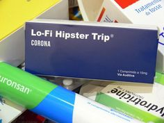 Lo-Fi Hipster Trip dos Corona em caixa de medicamentos!