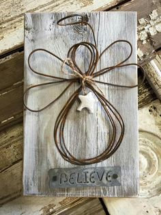Pin by Elfi Herde on Deko ideen Pin by Elfi Herde on Deko ideen Wire Crafts, Wooden Crafts, Crafts To Make, Holiday Crafts, Christmas Angel Crafts, Halloween Crafts, Halloween Ideas, Christmas Wood, Christmas Projects