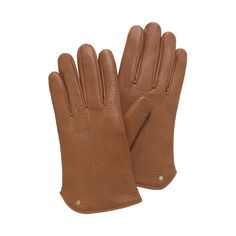 A classic, smart Driving Glove is the finishing touch to a traveller's wardrobe arsenal. This style is sleek and understated, made from the finest leather and accented by a small logo stud.