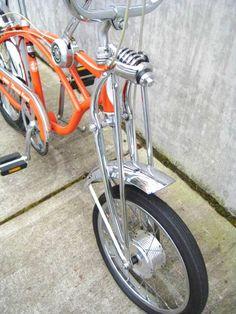 1970 Schwinn Sting Ray Orange Krate bicycle on display at Classic Cycle, a bike shop on Bainbridge Island, located near Seattle, Poulsbo, and Silverdale Vintage Schwinn Bikes, Vintage Bicycles, Raleigh Chopper, Roadster Car, Bike Equipment, Drag Bike, Chopper Bike, Bike Brands, Motorcycle Gloves