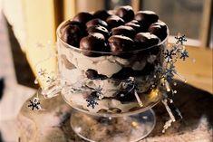 Kijk wat een lekker recept ik heb gevonden op Allerhande! Tiramisu-trifle Sweet Desserts, No Bake Desserts, Dessert Recipes, Tiramisu Trifle, Christmas Desserts, Food Inspiration, Food To Make, Food And Drink, Yummy Food
