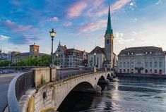 Planning to travel 2 days in Zurich on a budget and wondering about the best things to do in Zurich? Check out this Zurich itinerary to get the best of Zurich. Places To Travel, Travel Destinations, Places To Visit, Most Romantic Places, Beautiful Places, Zermatt, Swiss Travel Pass, Grindelwald, Location Chalet