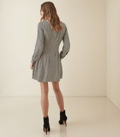 REISS - EDNA CHECK PRINTED FIT AND FLARE DRESS Reiss Dresses, Check Printing, Flare Dress, Fit And Flare, Dresses With Sleeves, Long Sleeve, Fitness, Sweaters, Prints