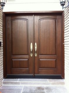 House Design, Sofa Design, Wood Doors, Home Exterior Makeover, Wooden Main Door Design, Front Door, Entry Doors, Home Deco, Living Room Sofa Design