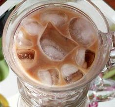 """Thai Iced Coffee: """"This was very refreshing! The almond and cardamom really complemented the coffee. I drank it ALL! Thai Iced Coffee, Easy Coffee, Coffee Drinks, Coffee Cups, Elegant Appetizers, Appetizers For Party, Red Eye Coffee, Black Coffee, Snack Recipes"""