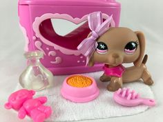 Littlest Pet Shop RARE Tan Dachshund #932 Pink Star Eyes w/Carrier & Accessories #Hasbro