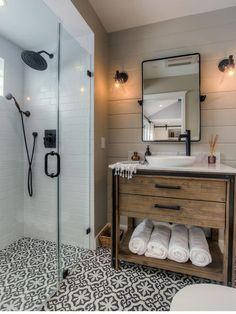 80 guest bathroom makeover decor ideas for a . - 80 guest bathroom makeover decor ideas for a budget - Modern Farmhouse Bathroom, Rustic Farmhouse, Farmhouse Design, Farmhouse Ideas, Farmhouse Vanity, Farmhouse Remodel, Modern Bathrooms, Urban Farmhouse, Beautiful Bathrooms