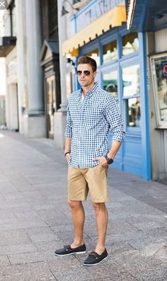This Mens summer casual short outfits worth to copy 12 image is part from 75 Best Mens Summer Casual Shorts Outfit that You Must Try gallery and article, click read it bellow to see high resolutions quality image and another awesome image ideas. Boat Shoes Outfit, Casual Shorts Outfit, Casual Outfits, Men Casual, Short Outfits, Blue Outfits, Men's Outfits, Casual Outfit For Men, Smart Casual