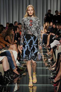 LOUIS VUITTON - Cruise 2015 Fashion Show