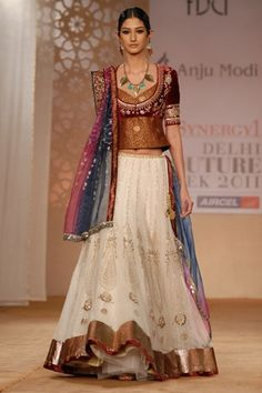 JJ Valaya Bridal Collection, How to dress for a wedding, Wedding Wear | Vogue INDIA