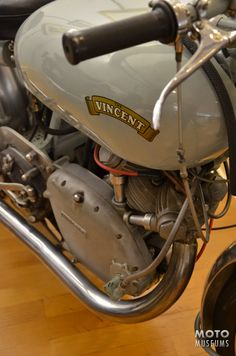 Vintage Motorcycles 300896818830225293 - 1 of 4 1950 Vincent TT Grey Flash prepped for the Isle of Man TT Race. Seen at the Solvang Vintage Motorcycle Museum. Source by jeanmariehuitel British Motorcycles, Racing Motorcycles, Vintage Motorcycles, Classic Motors, Classic Bikes, Classic Cars, Rockers, Isle Of Man Tt, Vincent Motorcycle