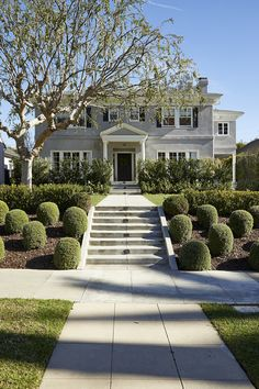 Sarah Shetter Design Inc. is a Los Angeles based design firm, specializing in residential and commercial design. Hancock Park, Foundation Planting, Commercial Design, Design Firms, 1930s, Sidewalk, Mansions, House Styles, Manor Houses