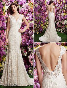 Trumpet/Mermaid V-neck Court Train Wedding Dress (Lace) - USD $ 599.99