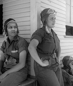 Rebecca Edwards, 22, with cream on her sunburned face & Lorena Daly, are both pilot trainees in the Women's Flying Training Detachment, July 1943. #vintage #WW2 #1940s