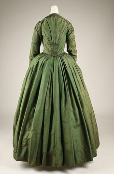 Dress, Met, ca. 1841-1845,  interesting front and back..